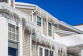Roofers to Prevent Ice Damming in Toronto