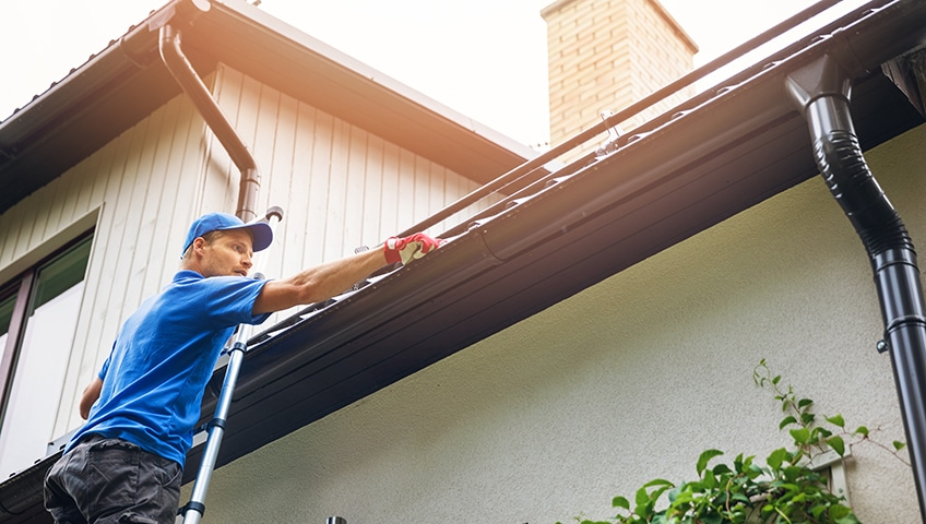 Seven Tips for Eavestrough Repair and Maintenance
