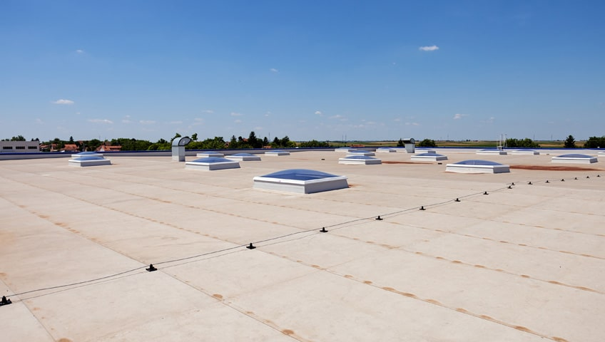 5 Commercial Flat Roof Maintenance Tips