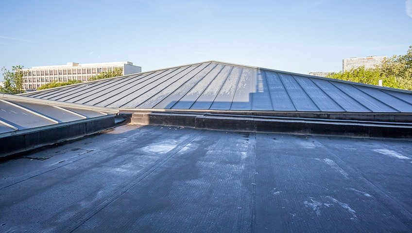 What are the Common Reasons for Roofing Problems?